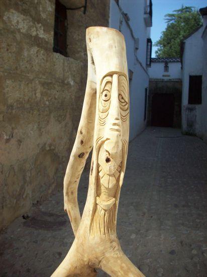 Bichito-palo.(Detalle) Cerámica Figurativa