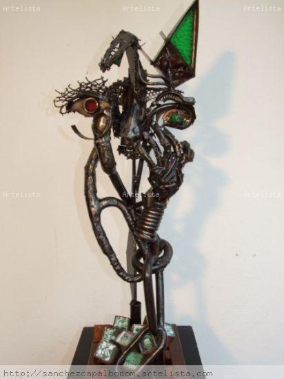 Encadenadoe a Rencores Pottery Figurative