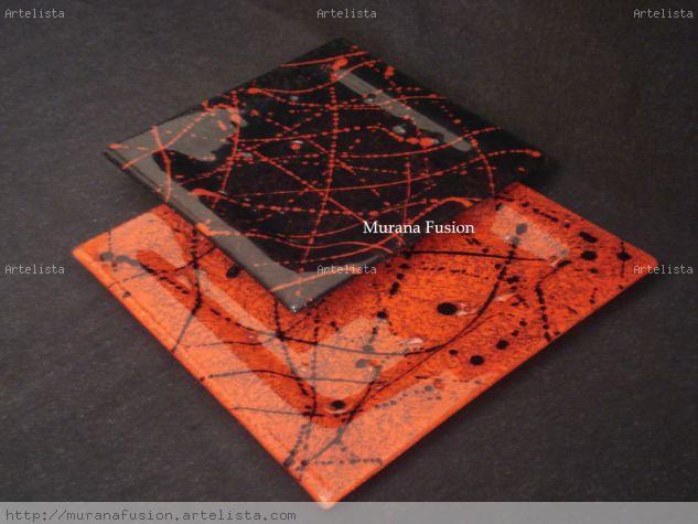 Platos cuadrados  `Pollok rojo y negro