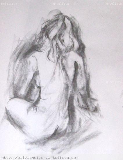 mujer sentada de espaldas Carboncillo