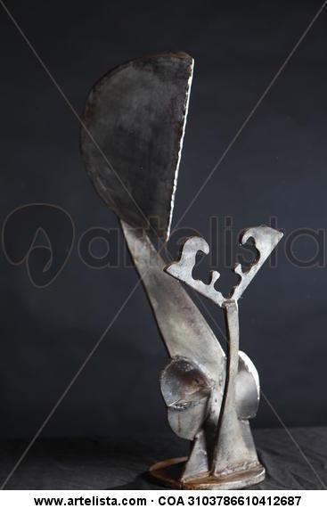 MUJER CON ESPEJO Hierro Abstracta