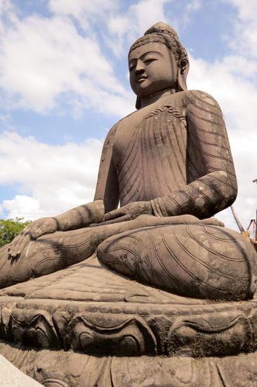 Buda bhumisparsha Piedra Figurativa