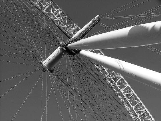 Londres gira Arquitectura e interiorismo Blanco y Negro (Digital)