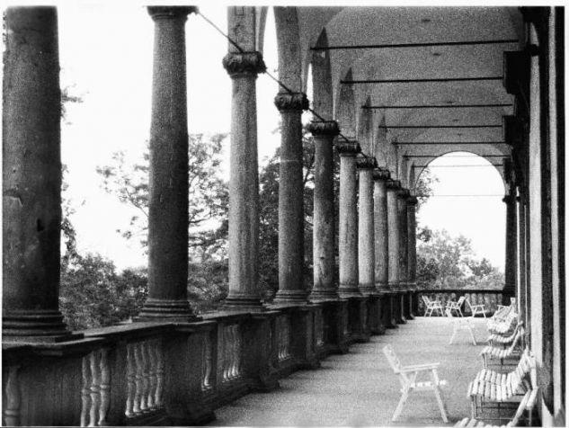 El Belvedere en los Jardines Reales (Praga) Arquitectura e interiorismo Blanco y Negro (Química)
