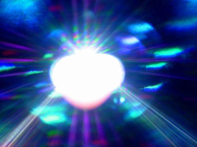 El corazón de la luz. Conceptual/Abstracto Color (Digital)