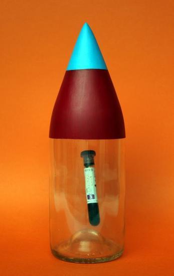 Sangre de autor, misil botella