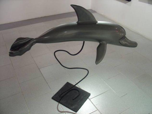 Delfin en Maniobras Figurativa Mixta