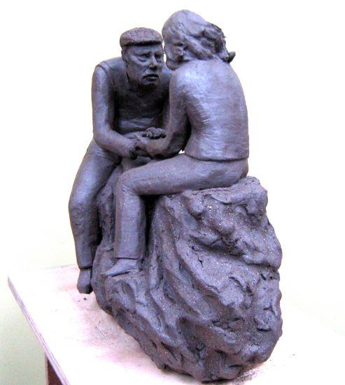 Maqueta escultura gran formato mamá vista 2 Figurativa Cerámica