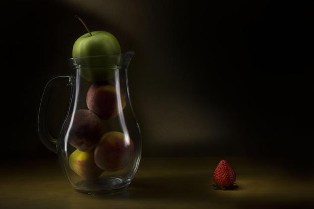 Duraznos, manzana y fresa Color (Digital) Bodegones