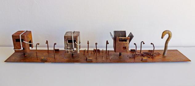 Confinamiento Figurativa Metal