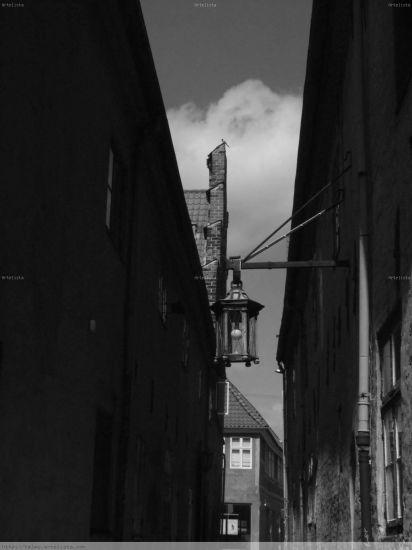 El farol y el callejón Blanco y Negro (Digital) Arquitectura e interiorismo