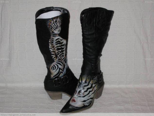 Personalizacion en botas de cuero Otros Piel Figura