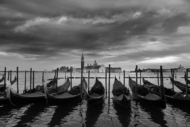 Aparcamiento de gondolas Black and White (Digital) Travel