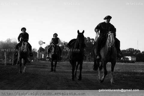 Viniendo Blanco y Negro (Digital) Fotoperiodismo y documental