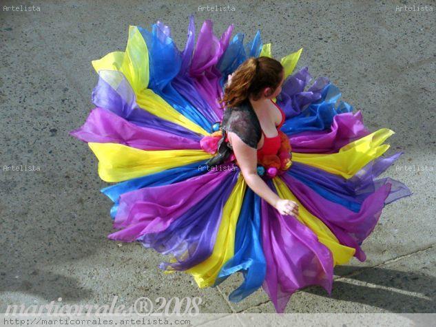 El vestido de la chica Viajes Color (Digital)