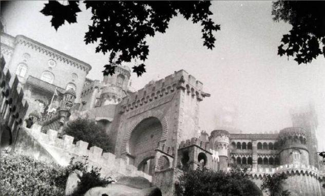 Había una vez, en un castillo muy lejano Arquitectura e interiorismo Blanco y Negro (Química)