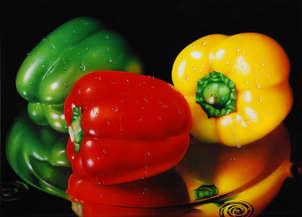 bodegón con pimientos verde, rojo y amarillo