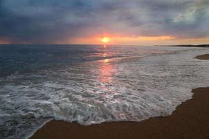 puesta de sol en la playa   sunset at the beach