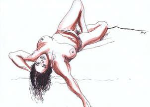 Mujer desnuda recostada con el brazo extendido