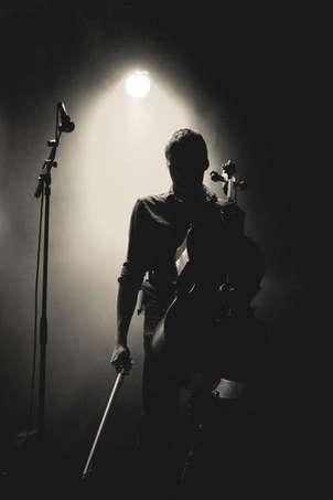 silueta de músico