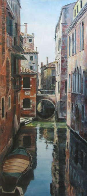 un canal de venecia