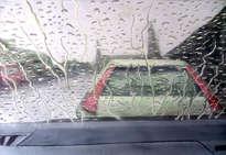 llueve en el coche