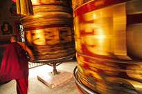 cilindros gigantes de oración