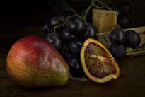 uvas, pera y naranja