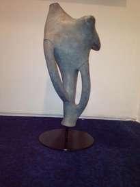 susurros de luz, escultura de bronce
