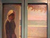 viuda en la ventana