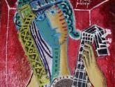 guitarrista con fondo rojo y piso rosa