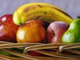 Frutas en cesta tejida