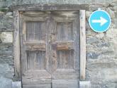 puerta cerrada,con paso obligatorio.